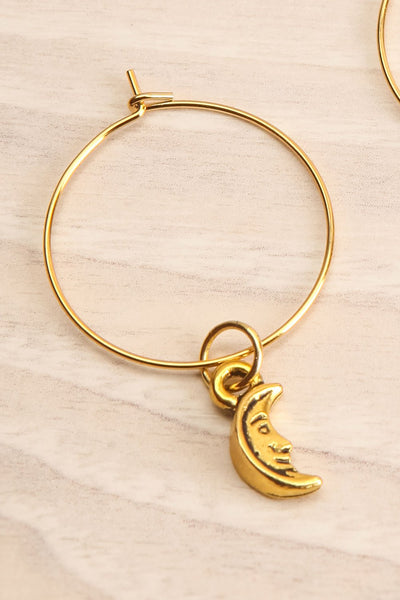 Pixie Gold Hoop Earrings | Anneaux | La Petite Garçonne moon close-up