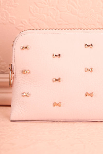 Polska - Light pink wash bag with bows front close-up