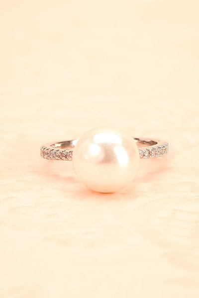 Prunella - Silver pearled ring 2