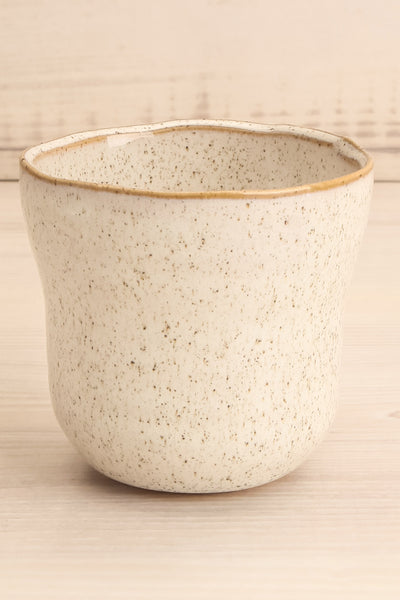 Realisme Speckled Ivory Ceramic Cup close-up | La Petite Garçonne