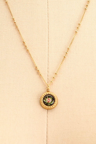 Renée Claire Golden Pendant Necklace | Fleur | Boutique 1861 close-up