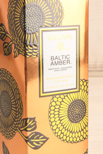 Room & Body Mist Baltic Amber | La petite garçonne box close-up