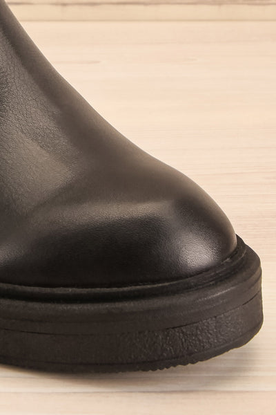 Rurrena Black Chelsea Leather Boots | La petite garçonne front close-up