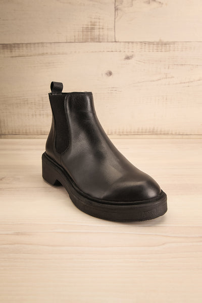 Rurrena Black Chelsea Leather Boots | La petite garçonne front view
