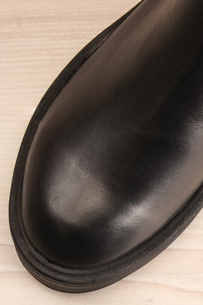 Rurrena Black Chelsea Leather Boots | La petite garçonne flat close-up