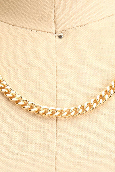Salihorsk Gold Chain Necklace | La petite garçonne close-up