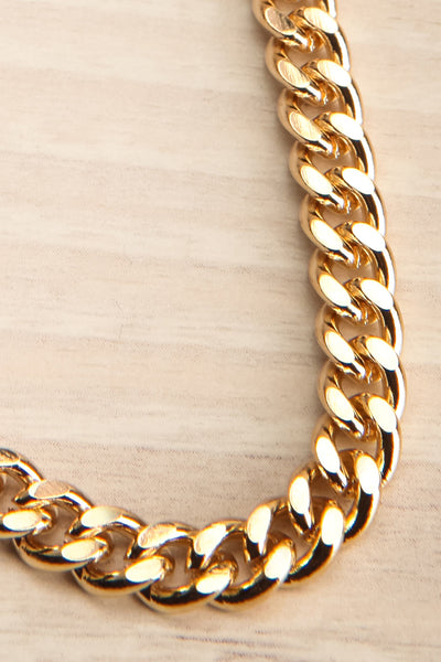 Salihorsk Gold Chain Necklace | La petite garçonne flat close-up