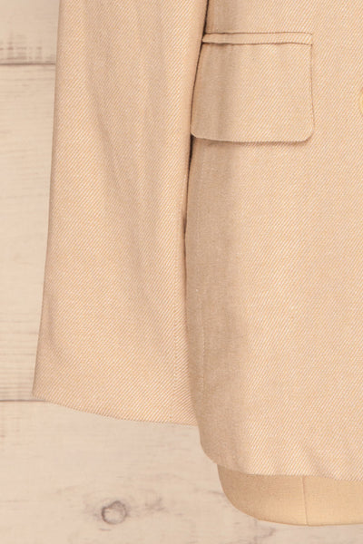 Samarate Beige Blazer | Veston Beige | La Petite Garçonne bottom close-up