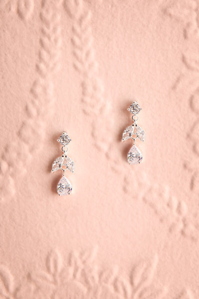 Sampita Silver Sparkling Pendant Earrings | Boutique 1861