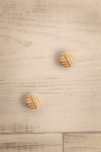 Sertatus Ivory & Beige Woven Circle Stud Earrings | La Petite Garçonne