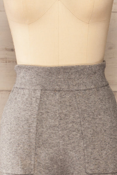 Kaunas Grey Cozy Lounge Set | La petite garçonne  front close-up