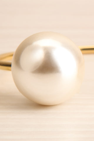 Sirius Open Golden Bracelet with Pearl & Bar | La Petite Garçonne 2