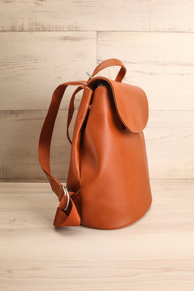 Soho Chili Vegan Matt & Nat Backpack | La petite garçonne side view