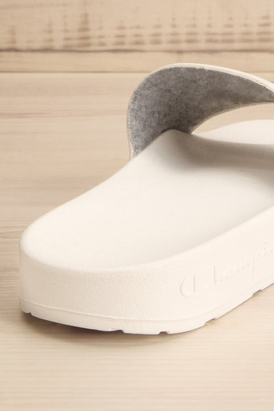 Stagnum White Sporty Slip-On Sandals | La Petite Garçonne 5