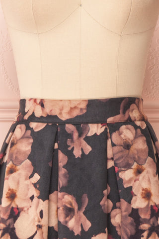 Syntyche Grey Floral Short Faux Suede A-Line Skirt | FRONT CLOSE UP | Boutique 1861