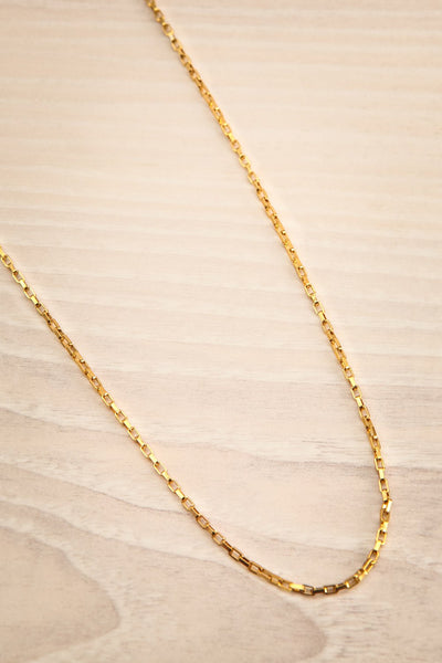 Tanya Gold Chain Necklace | Collier | La Petite Garçonne flat close-up