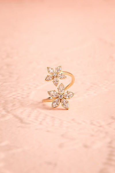 Unisonus Open Golden Ring w Crystal Flowers | Boutique 1861 1