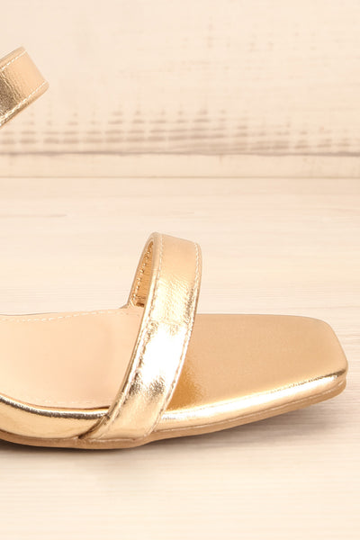 Varese Gold Slip-On Block Heel Sandals | La petite garçonne side front close-up