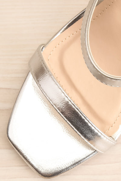 Varese Silver Slip-On Block Heel Sandals | La petite garçonne flat close-up