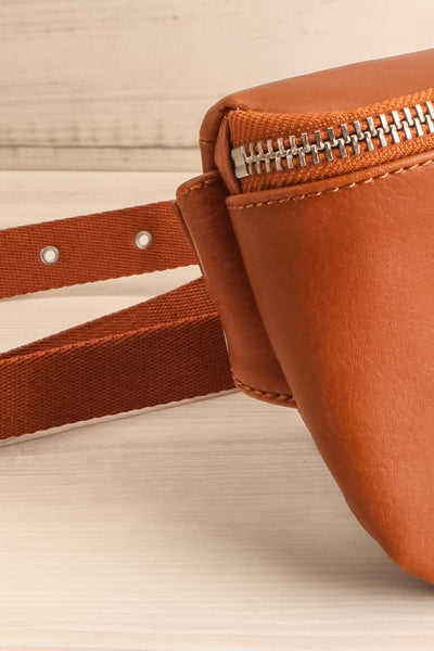 Viely Chili Brown Vegan Leather Fanny Pack | La petite garçonne side close-up