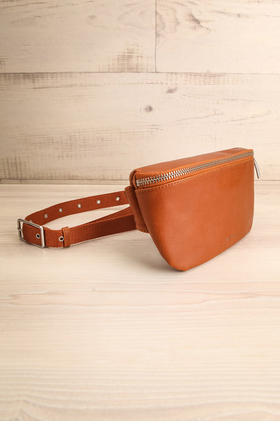 Viely Chili Brown Vegan Leather Fanny Pack | La petite garçonne side view