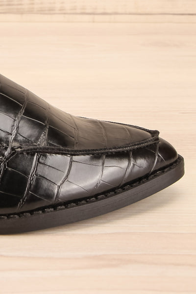 Villehardouin Black Textured Loafers | La petite garçonne  side close-up