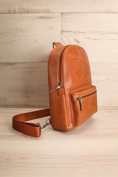 Voasa Chili Brown Vegan Leather Backpack | La petite garçonne