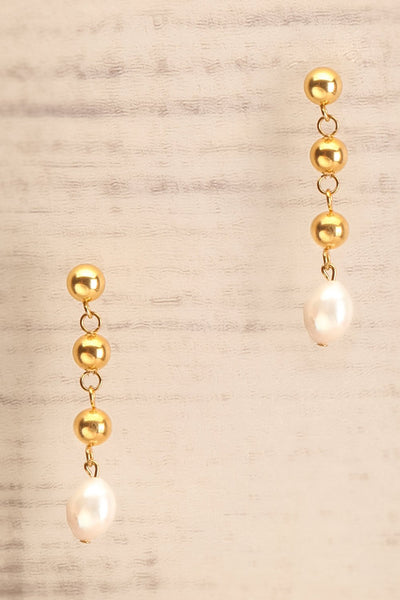 Yuki Gold Earrings | Boucles d'oreilles | La Petite Garçonne close-up