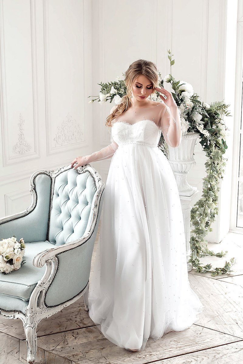 Disaccordo magro Amante  Olivia white pregnancy tulle gown fully decorated with pearls