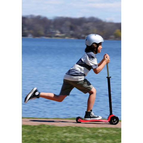 red maxi micro scooter-outdoor-kickboard-Dilly Dally Kids