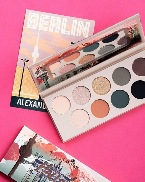 essence Hallo Berlin Eyeshadow Palette 10