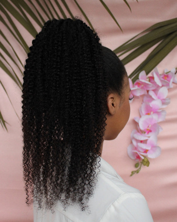 Jerry Curl Clip In Ponytail - 55cm