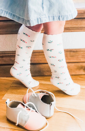 Childrens Knit Scalloped Knee High Socks - Sweat Pea White