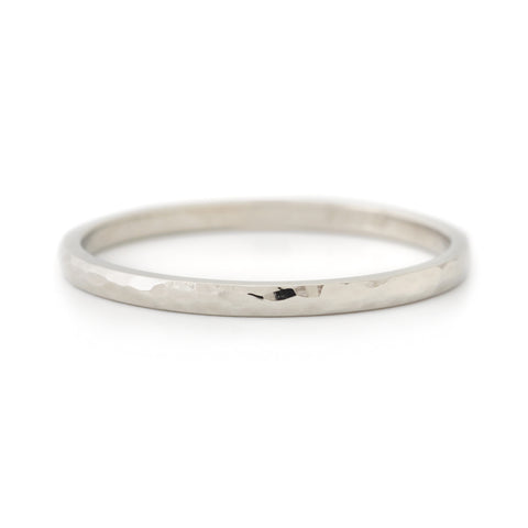 Rounded Hammered Top Band