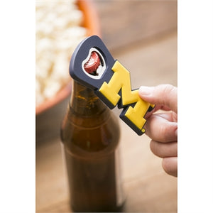 MICHIGAN WOLVERINES  MAGNET BOTTLE OPENER