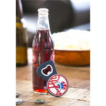 NEW YORK YANKEES MAGNET BOTTLE OPENER