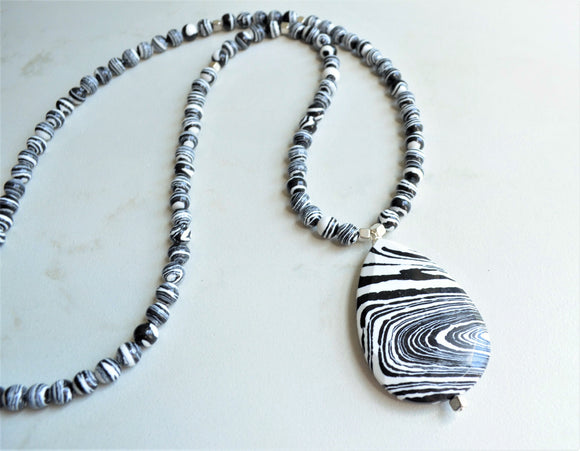 Black White Long Beaded Pendant Statement Necklace - Ultimo