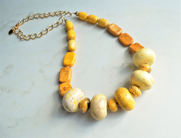 Yellow Statement Necklace, Long Bead Necklace, Chunky Stone Necklace - Ultimo