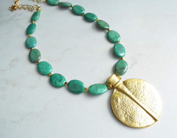 Green Long Beaded Gold Pendant Chunky Statement Necklace - Samantha