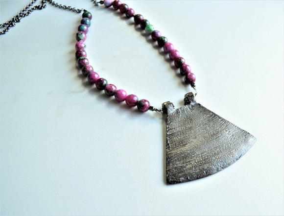Purple Statement Necklace, Bead Necklace, Jade Necklace, Gunmetal Pendant Necklace, Gift For Woman - Ultimo