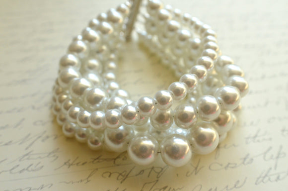 White Pearl Bracelet Beaded Chunky Bracelet Glass Bead Bracelet Bridesmaid Gifts - Janelle