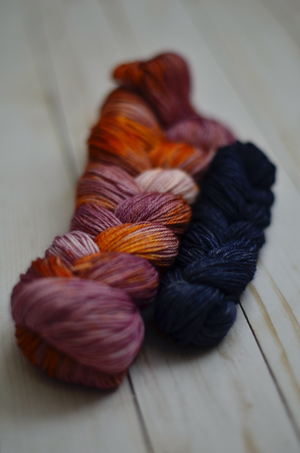 80/20 Sock Set: Mauvegold + Almost Dark