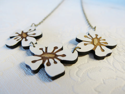 Triple Manuka Flower Reclaimed Rimu Necklace