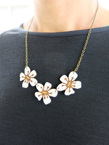 Triple Manuka Flower Necklace