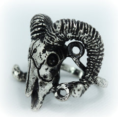 Goth Nugoth Skull Ram chunky fashion ring