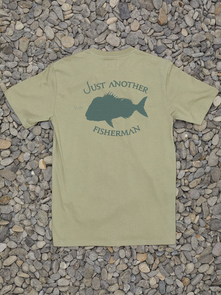 CRACKED SNAPPER TEE - LIGHT KHAKI