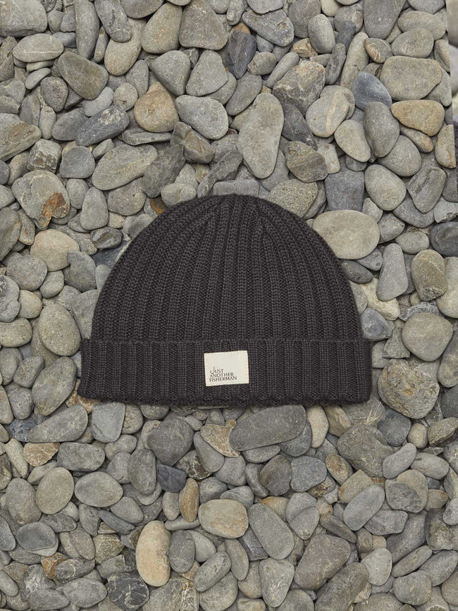 MINI SKIPPER BEANIE - AGED BLACK