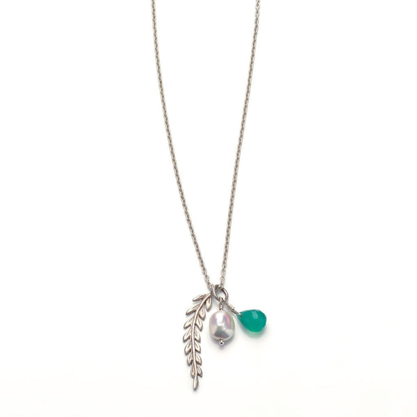 Rome single leaf necklace