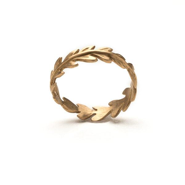Rome gold laurel leaf ring