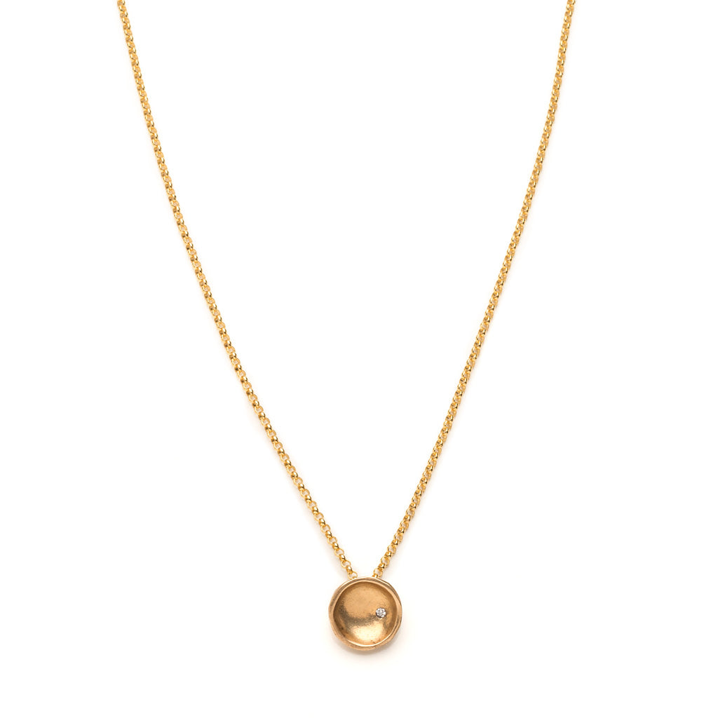 Disk gold necklace